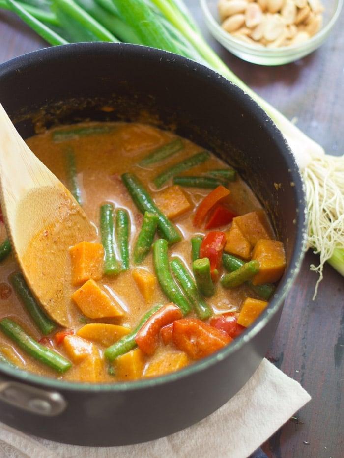 Thai Massaman CurryConnoisseurus Veg