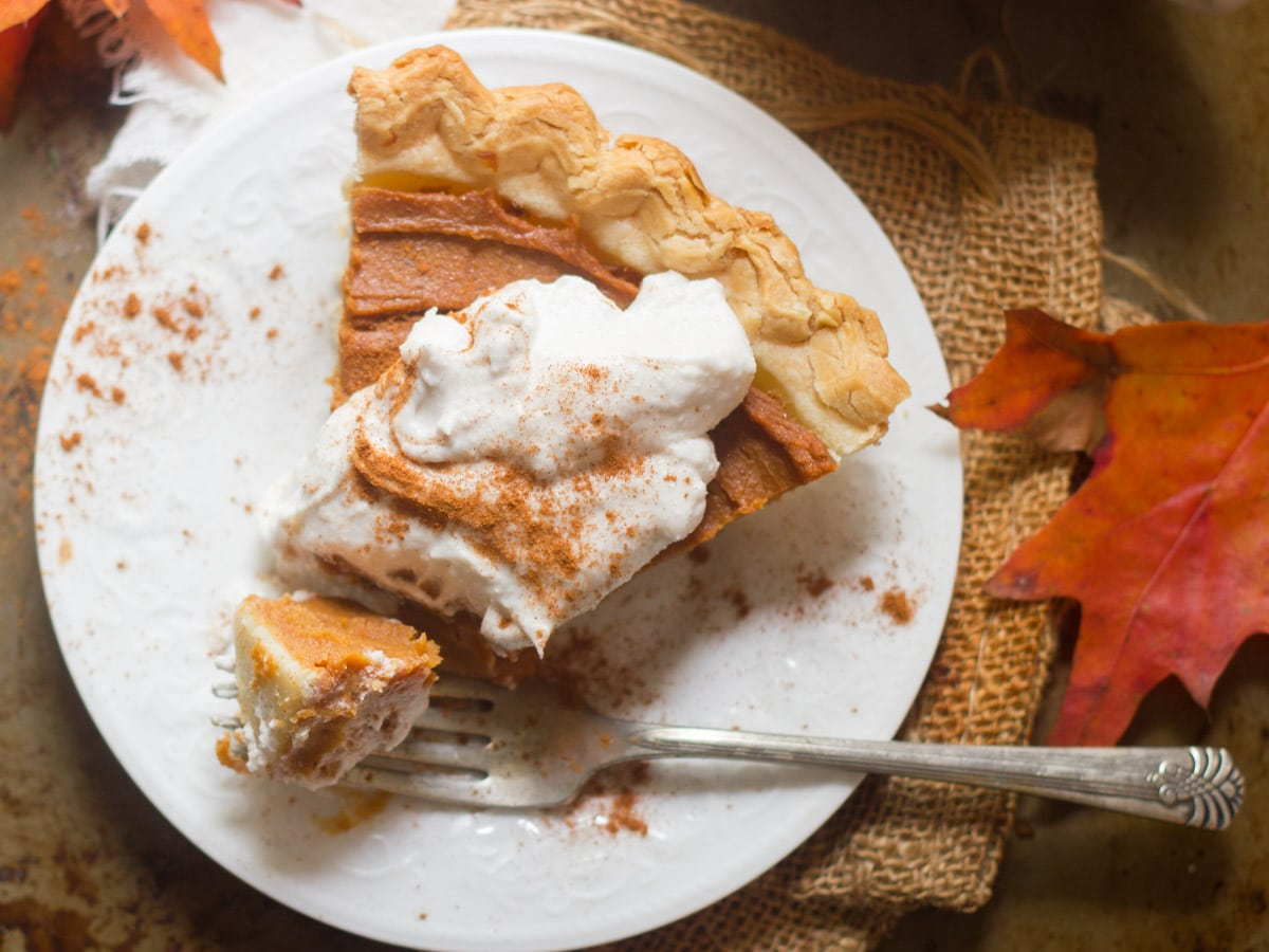 Chai-Spiced Vegan Sweet Potato Pie - Connoisseurus Veg