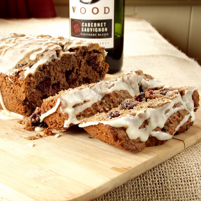 red wine bread featured
