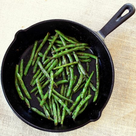 Blackened Green Beans in a Cat Iron Skillet