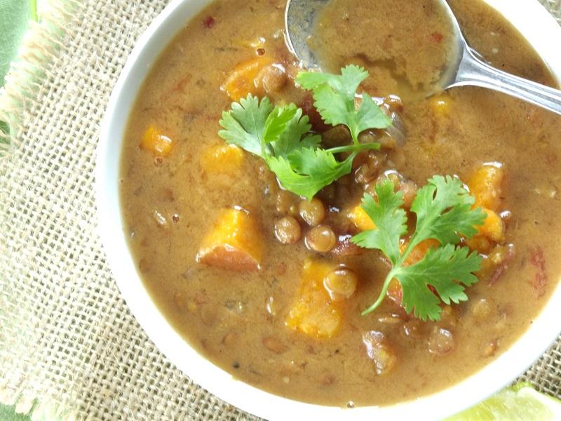 curry lentil sweet potato soup top detail 2