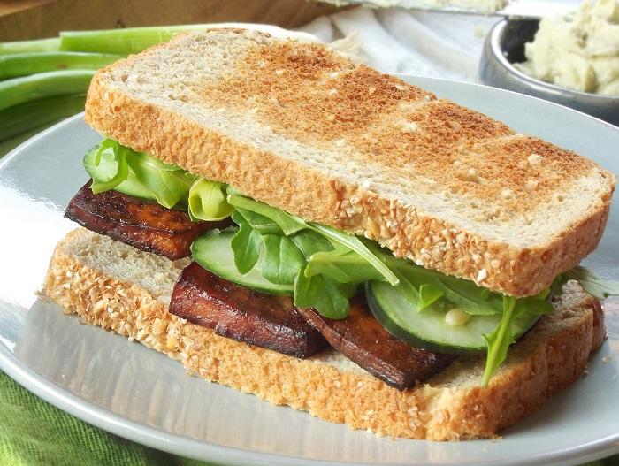 smoky tofu sandwich detail