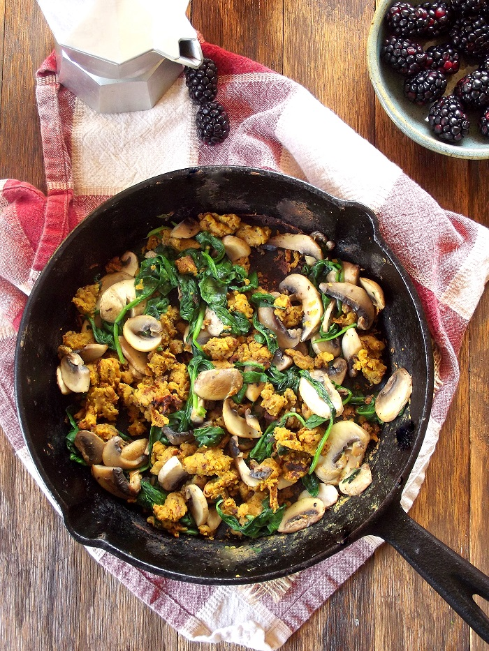 Savory Spinach and Mushroom Chickpea Scramble