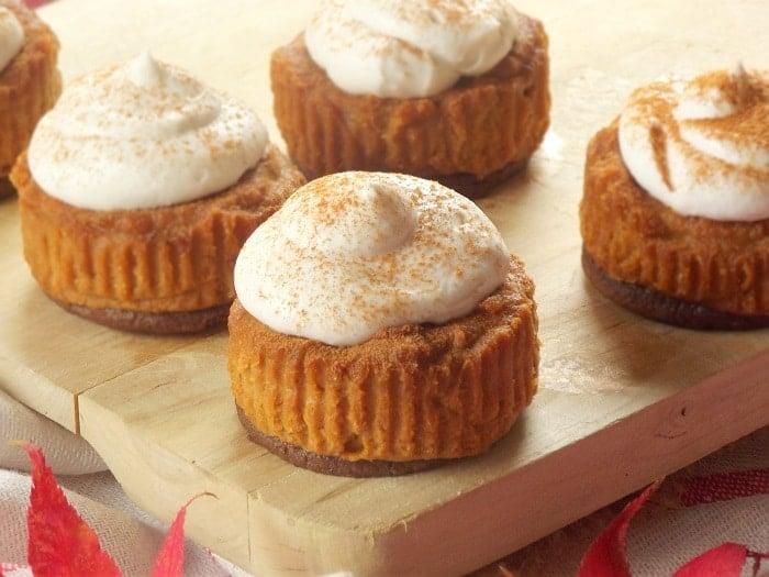 Mini Pumpkin Cheesecake With Gingersnap Crust Mini Vegan Pumpkin ...