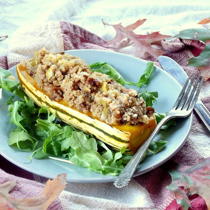 stuffed delicata squash featured