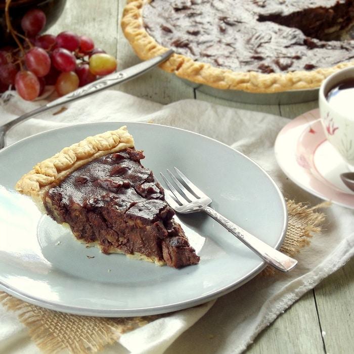 vegan chocolate pecan pie featured