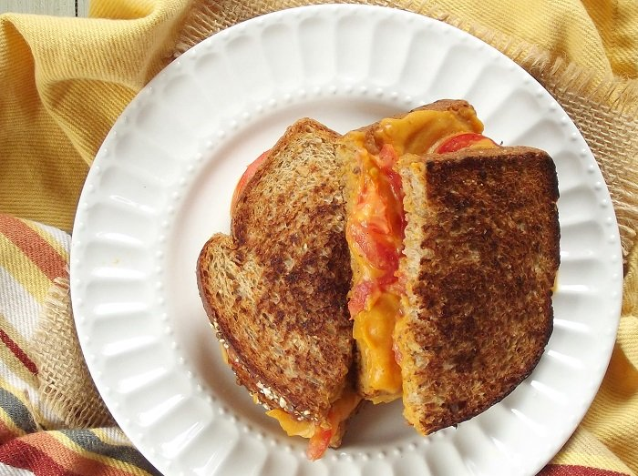 vegan grilled cheese top detail