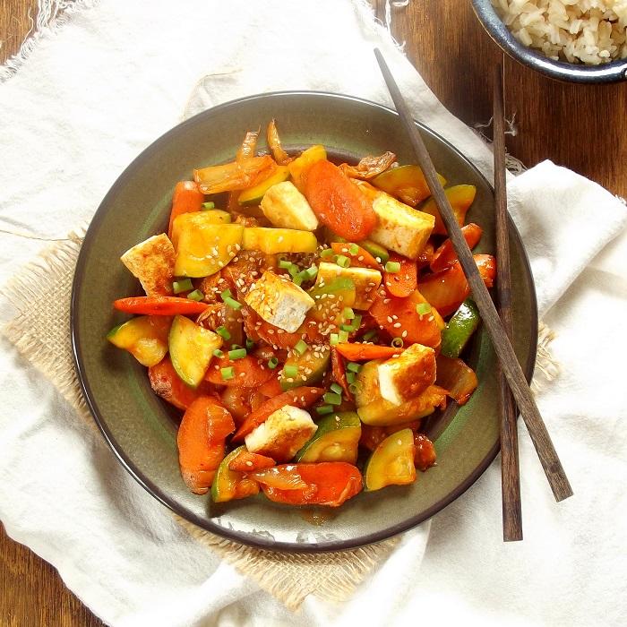 50 Fast and Healthy Vegan Dinners: Kimchi Veggie Stir Fry