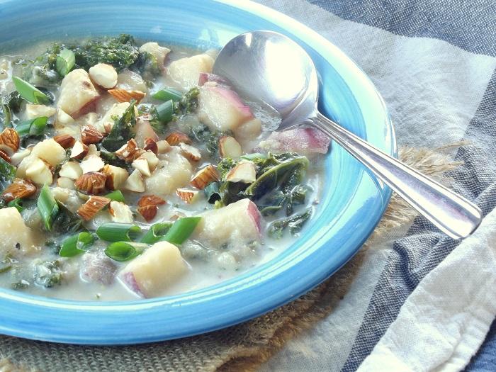 vegan_potato_soup_detail