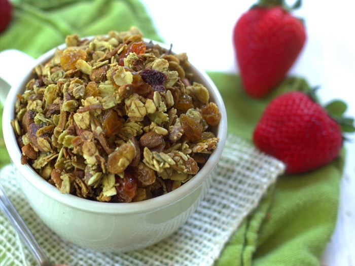 green-tea-granola-detail