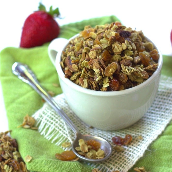 green-tea-granola-featured