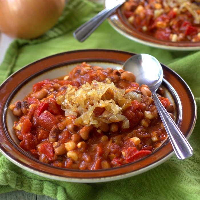 Smoky Sweet Corn, Black-Eyed Pea and Caramelized Onion Chili