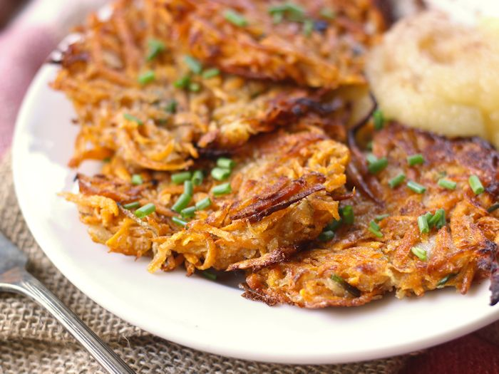 Sweet Potato Latkes - Connoisseurus Veg