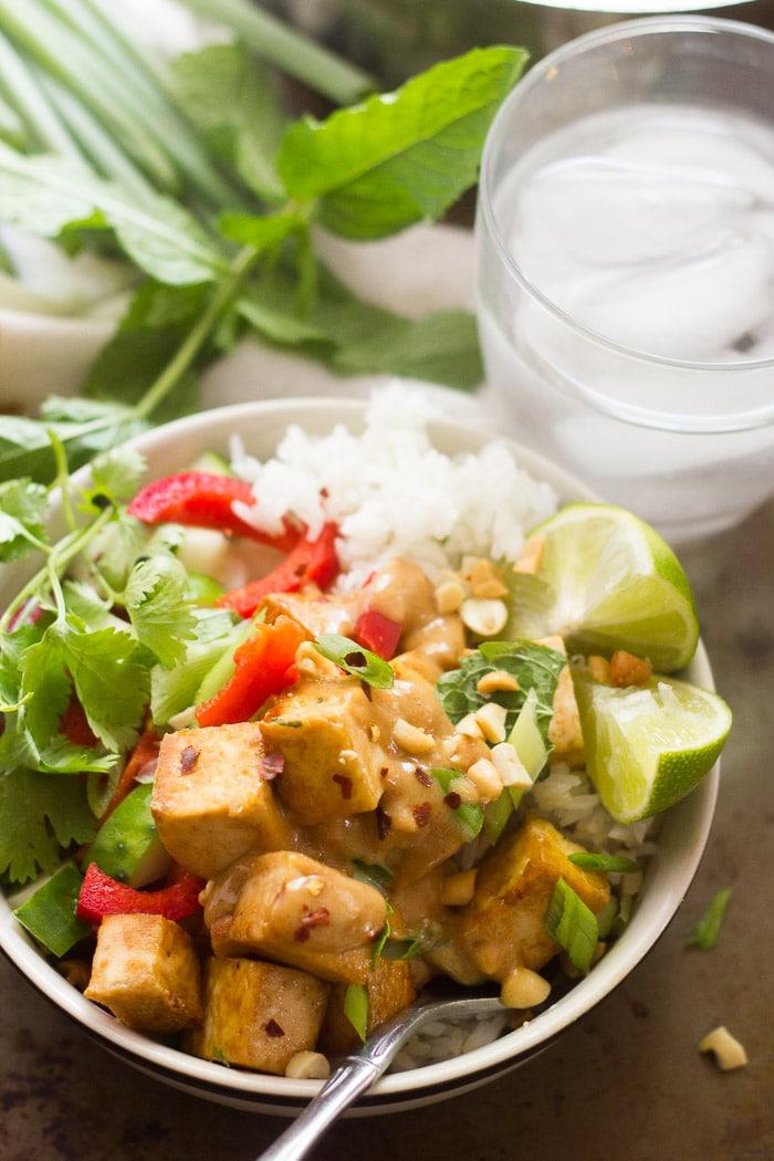 Lemongrass Tofu Buddha Bowls with Peanut Sauce ...