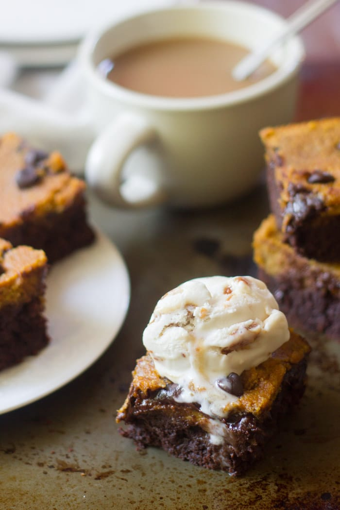 Vegan Pumpkin Cheesecake Brownies