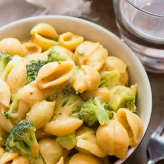 Creamy Coconut Mac & Cheese with Broccoli